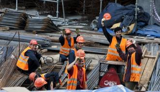 10,5 тысяч строителей не дождались зарплаты вовремя