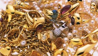 Хмельничанин сдал в ломбард более чем на 100 тысяч гривен краденого золота