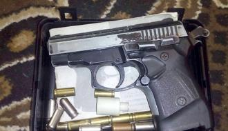 Марихуану, метадон, оружие и поддельные паспорта нашли в доме хмельничанина