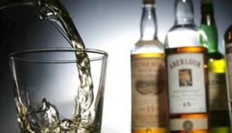 На Хмельнитчине аннулировали 70 лицензий предпринимателям, которые продавали спиртное несовершеннолетним