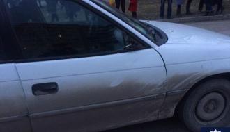 Под колеса автомобиля в Каменце-Подольском попали двое детей