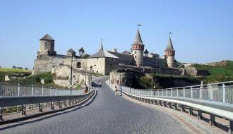 В феврале замковый мост в Каменце заработал на 34 тысячи гривен меньше, чем в предыдущем месяце
