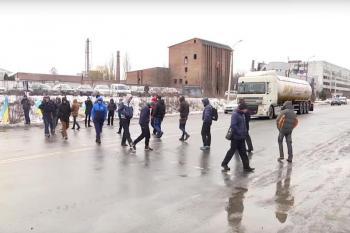 Активисты, которые перекрывали движение на Западно-Окружной, договорились о переговорах с властью