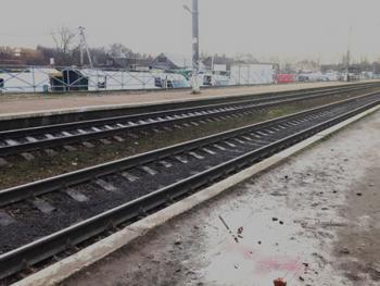 В Деражне под поезд попал 27-летний мужчина