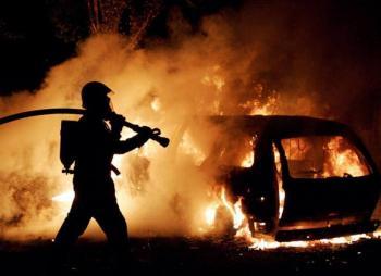 В Каменце-Подольском подожгли автомобиль